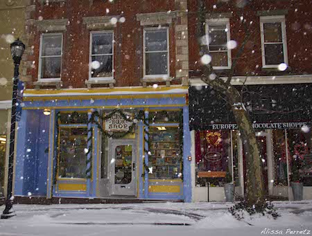 Jan 21 2014 snow in Nyack, NY. Photo Credit: Ali Perretz. Pickwick Books and Chocolaterie on South Broadway