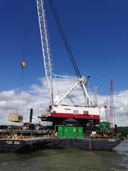 TZB Tappan Zee Constructors Crane,  June 2014. Photo Credit: ©2014 Dave Zornow