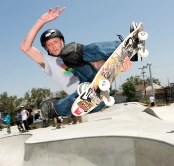 Tony Hawk_In the air