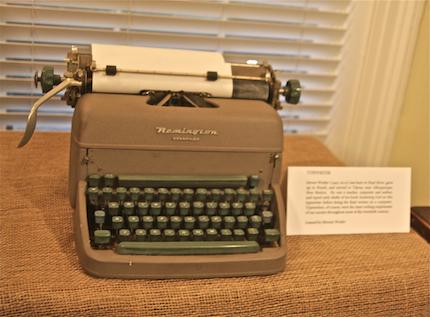 NSL165_typewriter