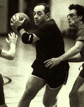 Gov. Mario Cuomo drives for the basket during a department basketball game Dec 1991. Photo credit/DG. Source: http://blog.timesunion.com
