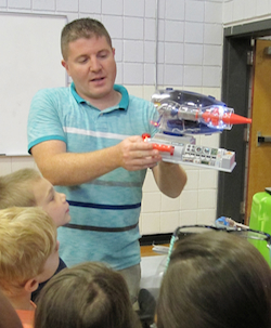Gary Cirlin shows how a jet engine works