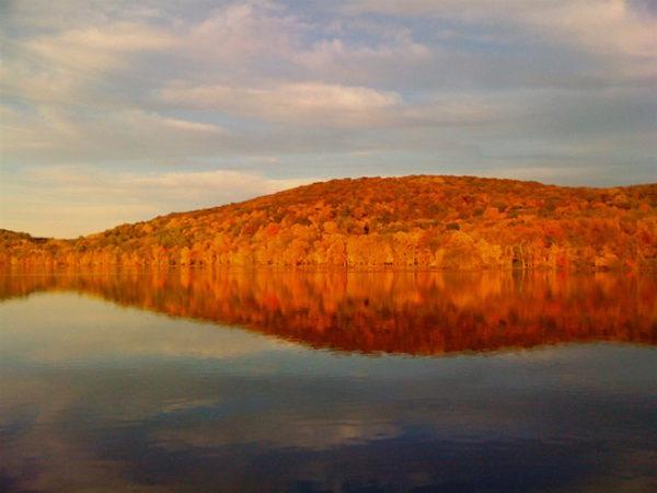 Rockland Lake, Oct 2009. Photo Credit: Dave Zornow