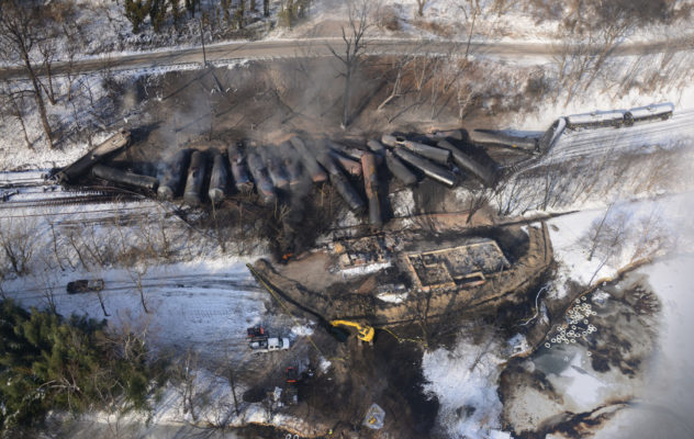 bakken oil train derailment
